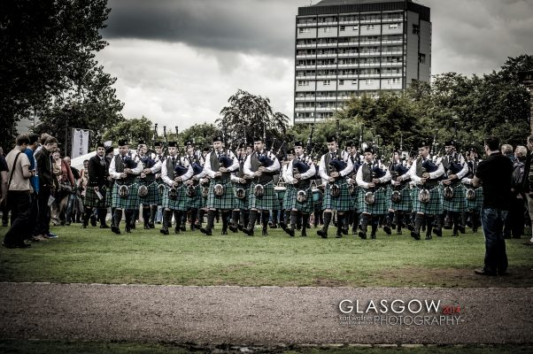 "Stuart Liddell als Pipe Major mit seiner ""Inveraray & District Pipe Band""!"